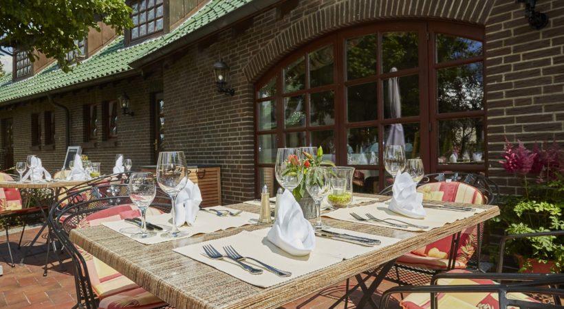 Flair Hotel Neeth Außenbereich Restaurant