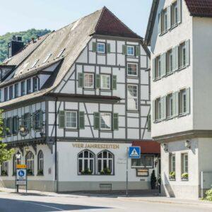 Hotel Restaurant Vier Jahreszeiten Bad Urach Fassade