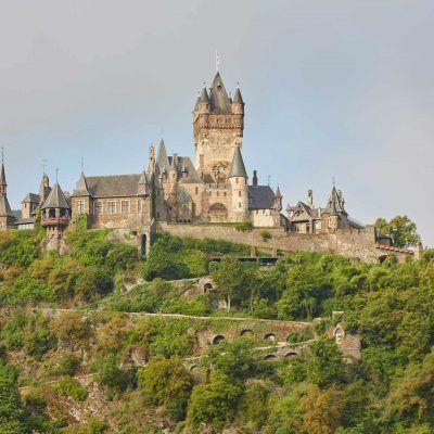 Am Rosenhügel castle