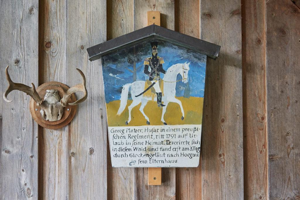 Erinnerungsschild an die Legende vom Schwarzen Reiter