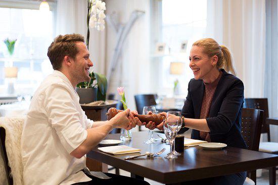 Jan Philip Stöver und Christine Buchholz vom Flair Hotel Zur Eiche und Restaurant Henrys in Buchholz in der Lüneburger Heide