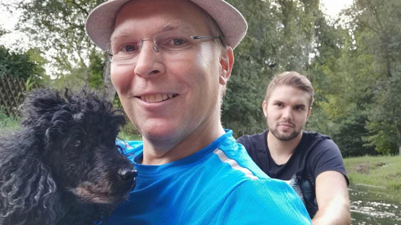 Flair Hotelier Thomas Frank mit Sohn Timo und Hund Chrissi bei der Kanufahrt auf der Lauter