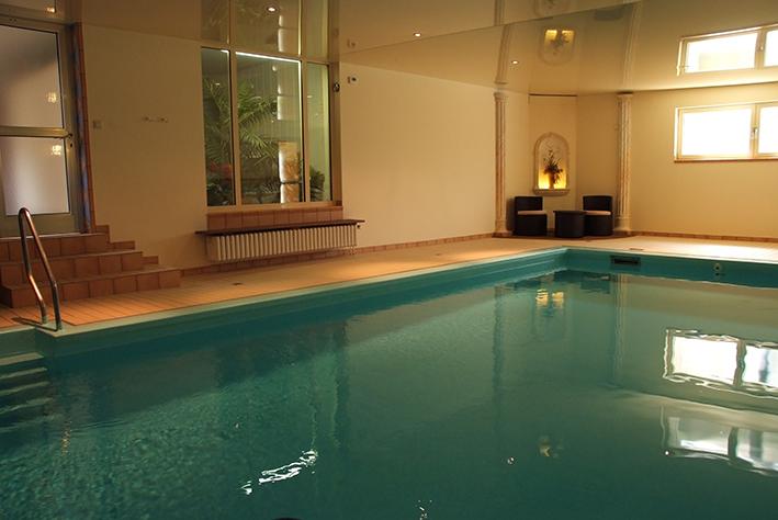 Schwimmbad im Flair Landhotel Püster im Sauerland