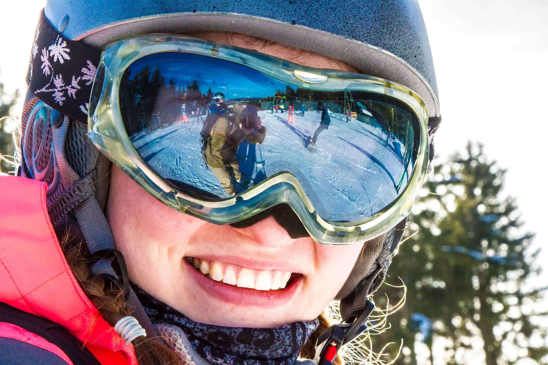 Skifahrerin in der Wintersport Arena Sauerland