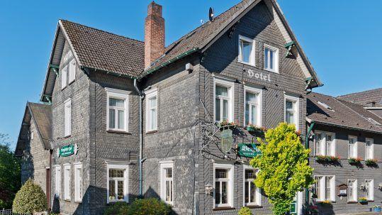 Flair Hotel Bergischer Hof Außenansicht